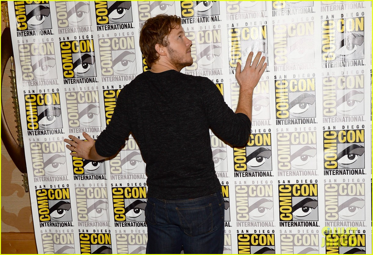 chris pratt zoe saldana guardians of the galaxy comic con panel 15