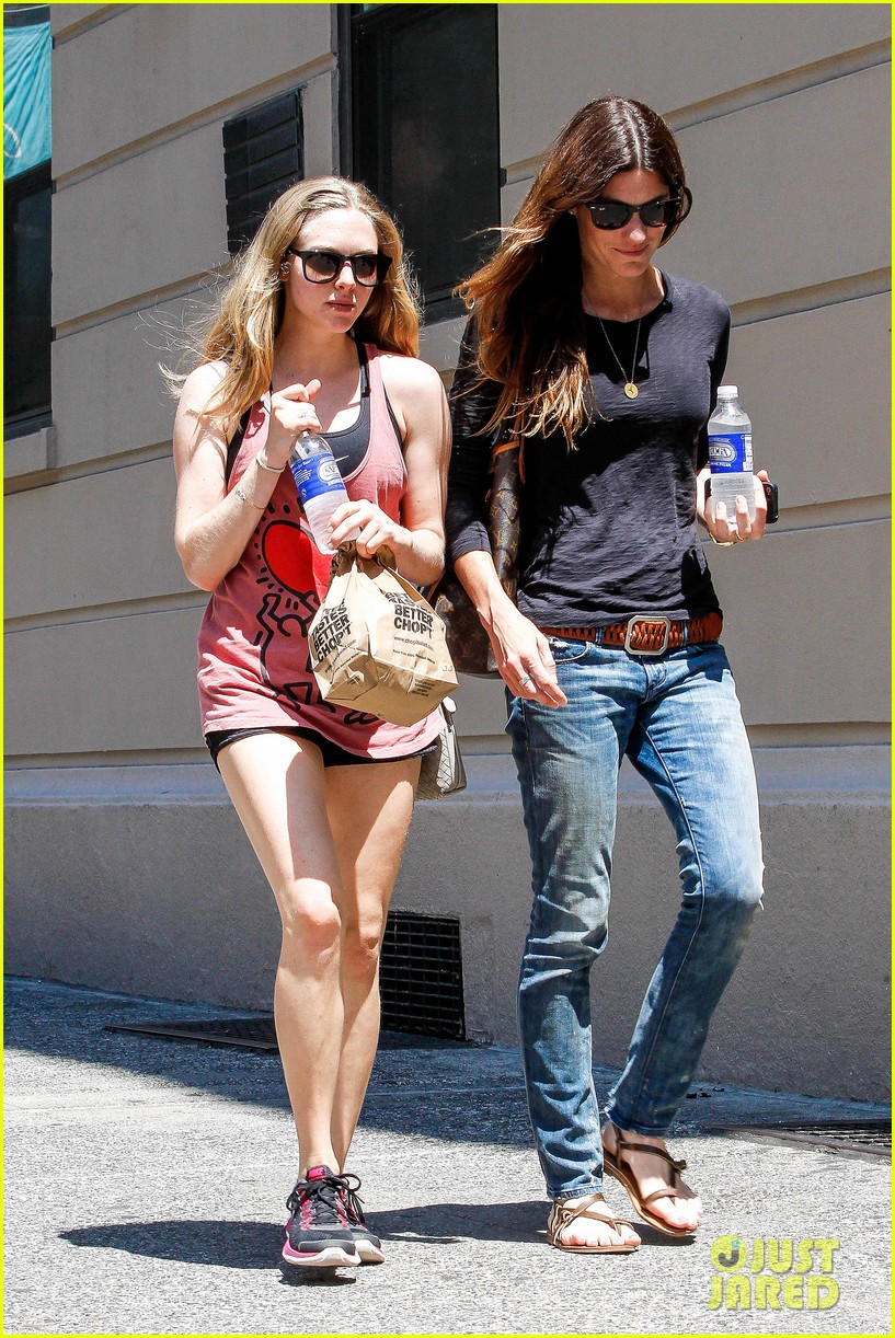 amanda seyfried jennifer carpenter hang in the big apple 012917614