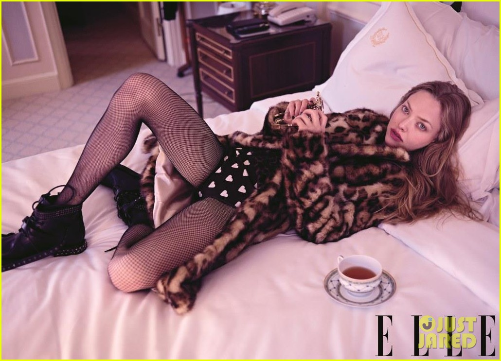 amanda seyfried covers elle august 2013 01