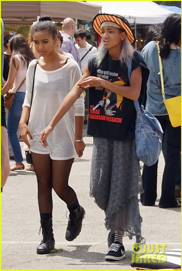 willow smith searches flea market for great finds 08