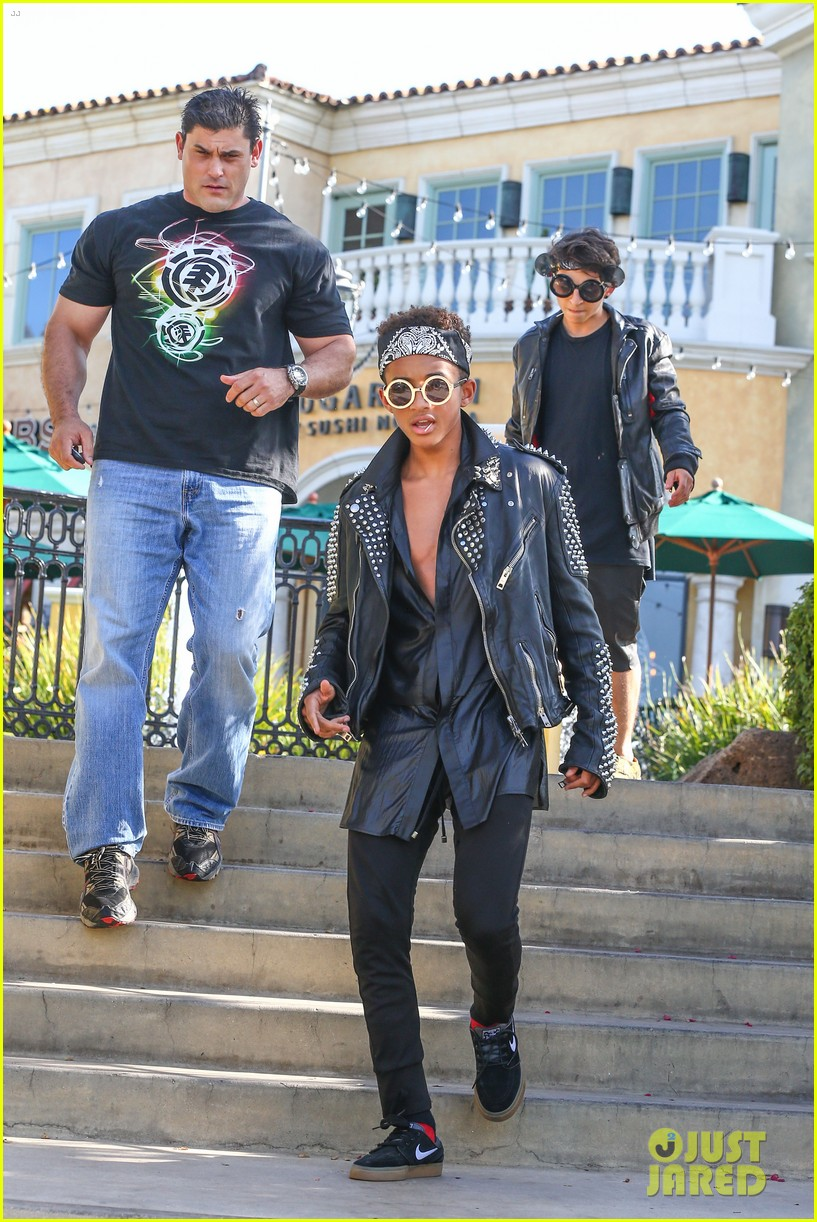 jaden smith rocker chic outfit for sugarfish dinner 06