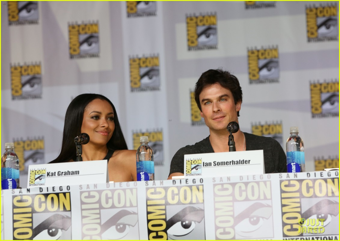 ian somerhalder nina dobrev vampire diaries at comic con 08