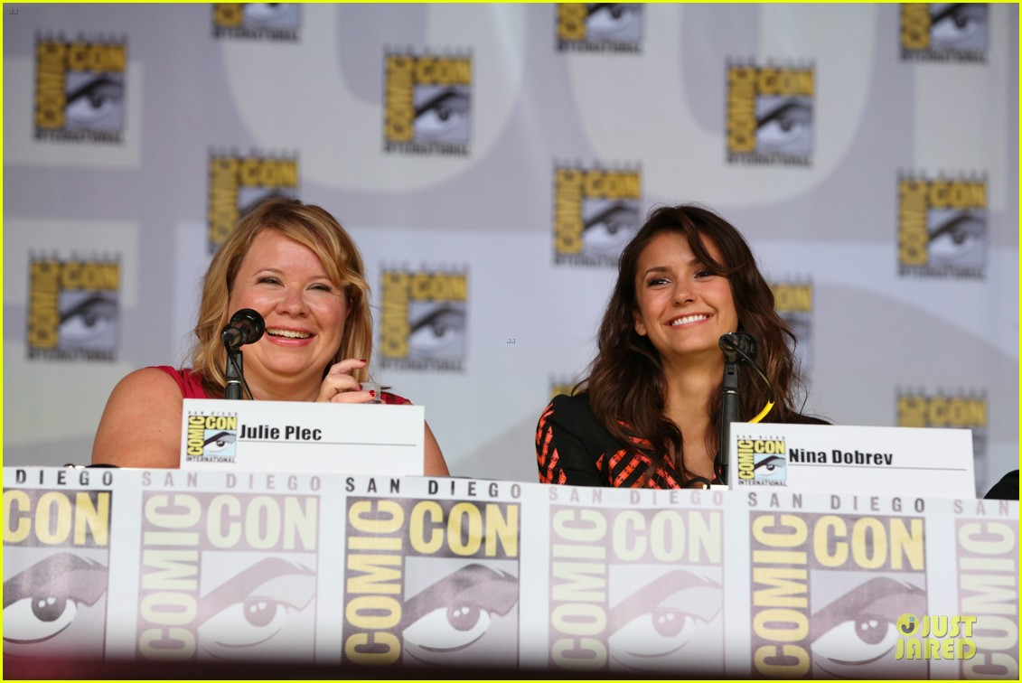 ian somerhalder nina dobrev vampire diaries at comic con 132914159