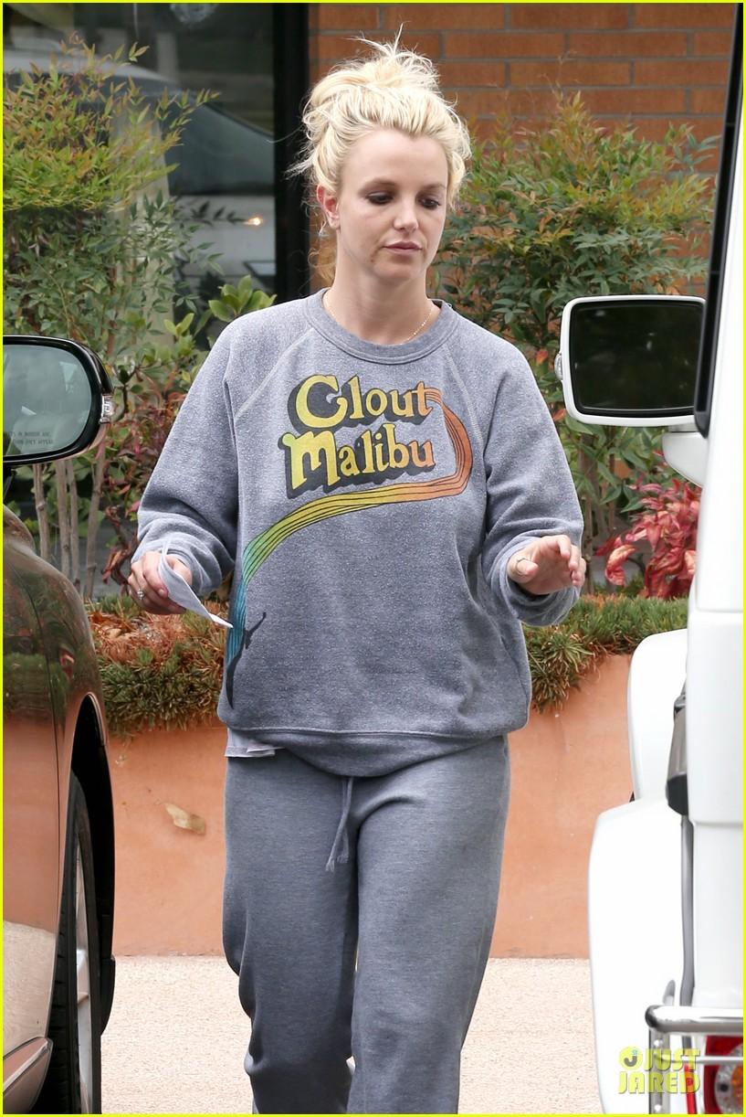 britney spears errands after movies with the boys 292914123