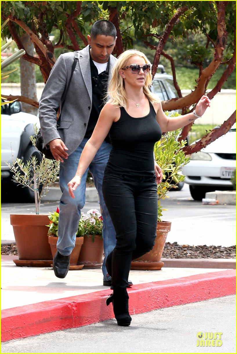 britney spears david lucado napa tavern lunch date 14