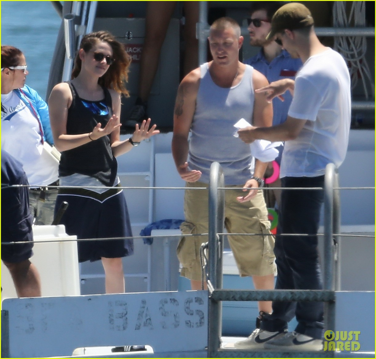 kristen stewart begins filming x ray camp 022910978