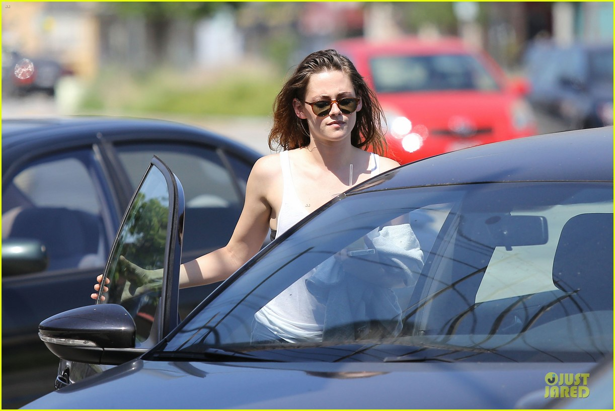 kristen stewart casual juice bar stop 042906771