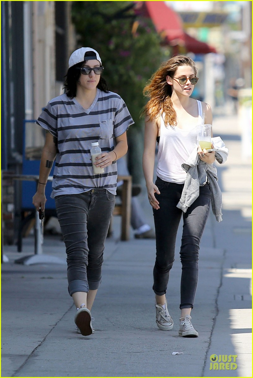 kristen stewart casual juice bar stop 092906776