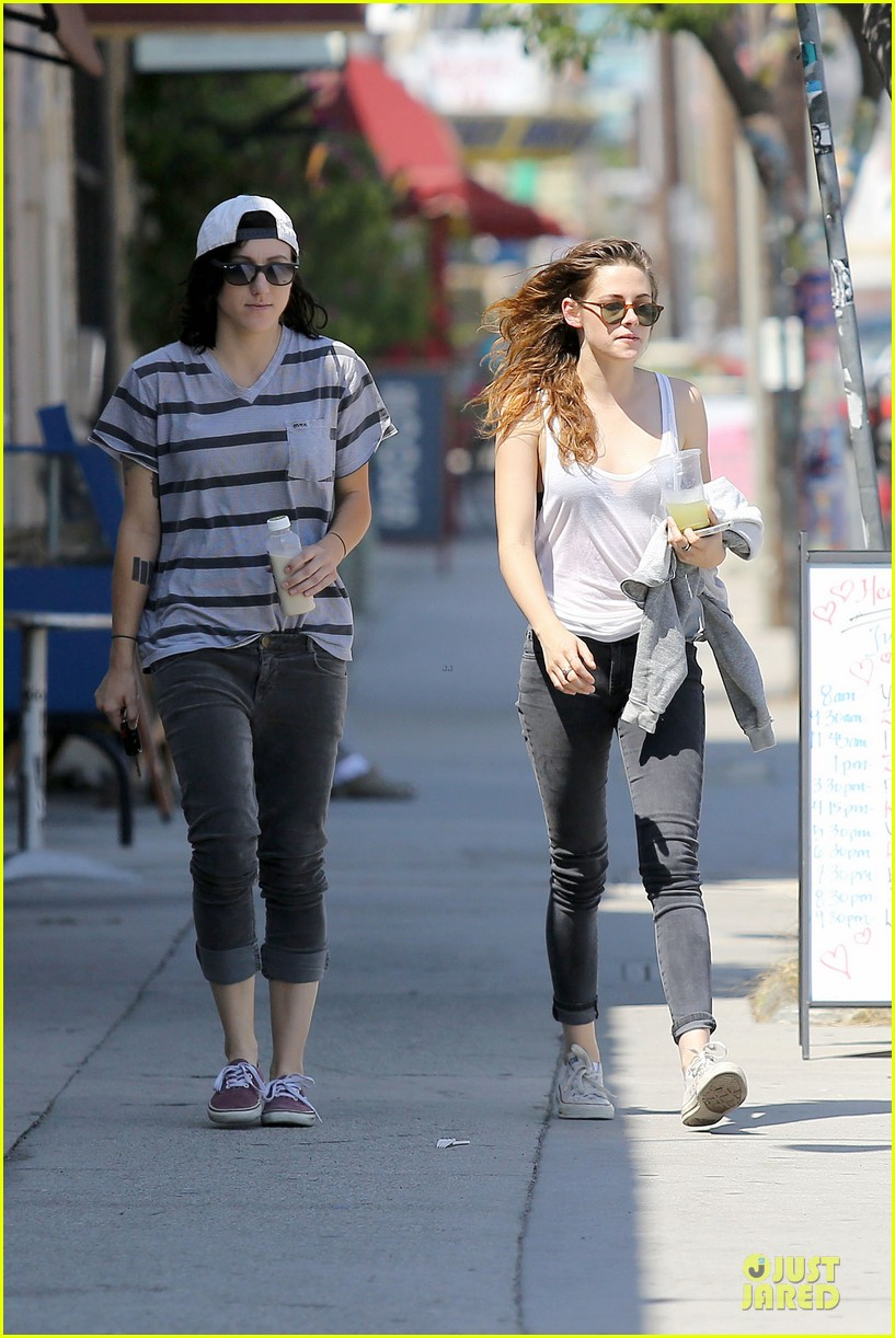 kristen stewart casual juice bar stop 182906785