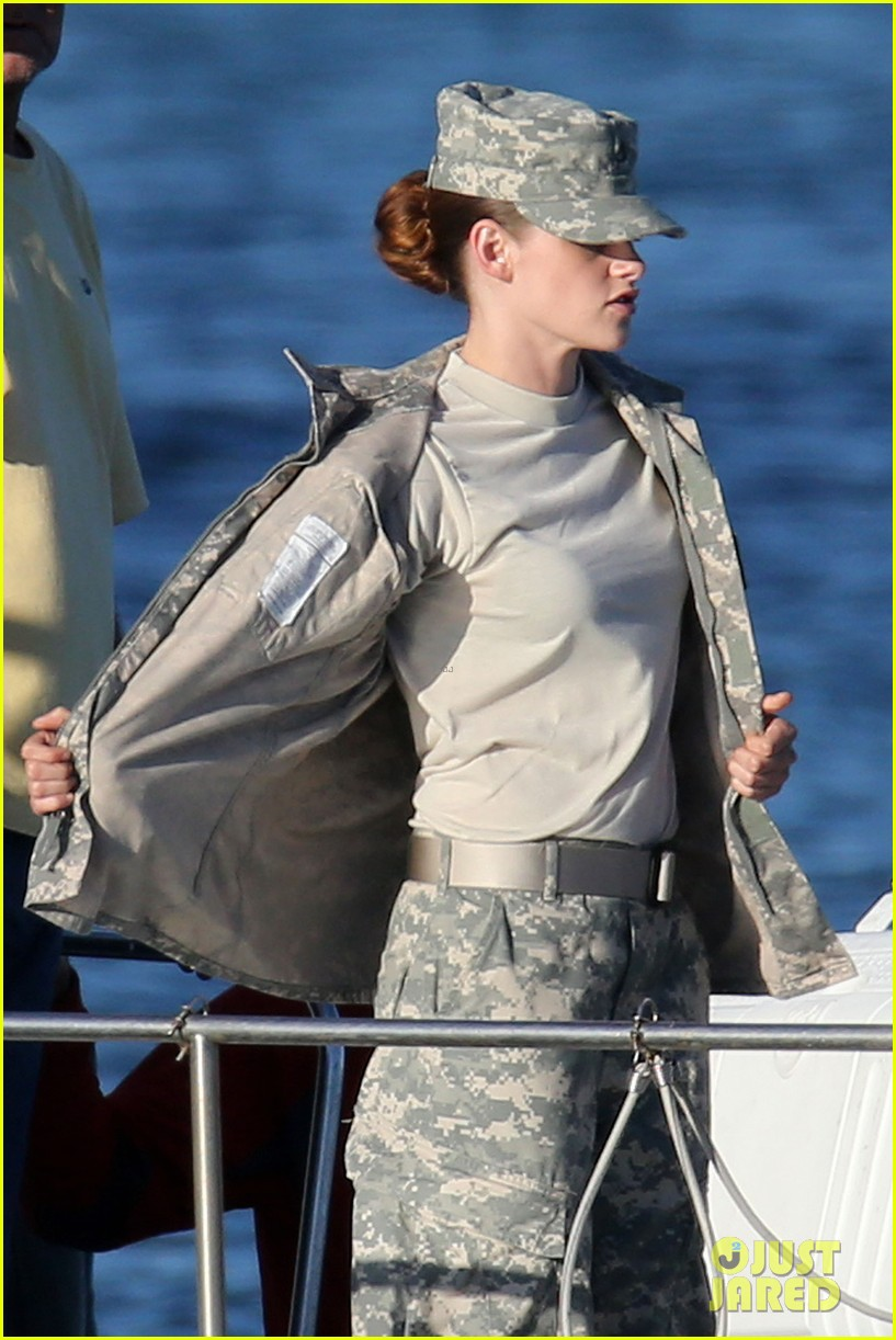 kristen stewart wears army uniform relaxes with beer 03
