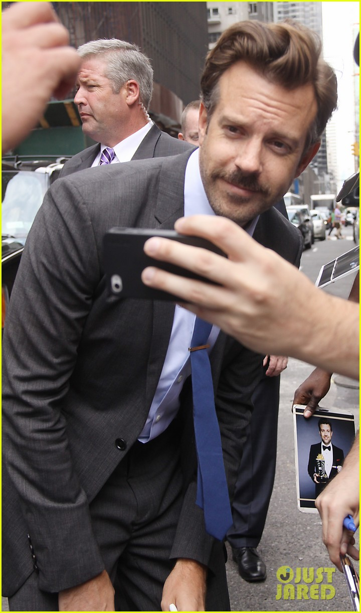 jason sudeikis officially leaving saturday night live 08