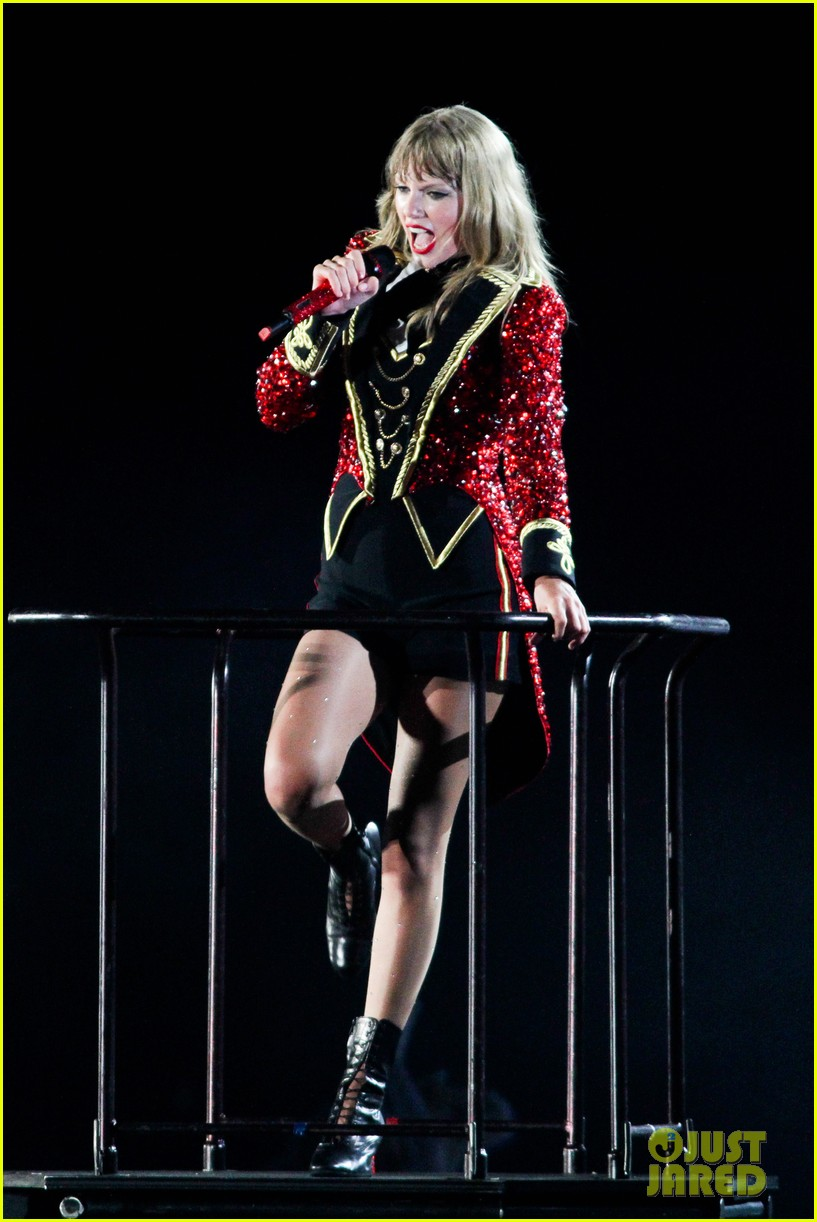 taylor swift new jersey concert photos video 16