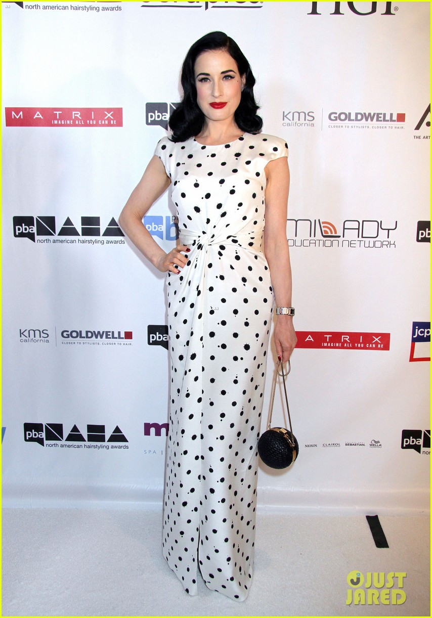 dita von teese mario lopez north american hairstyling awards 11