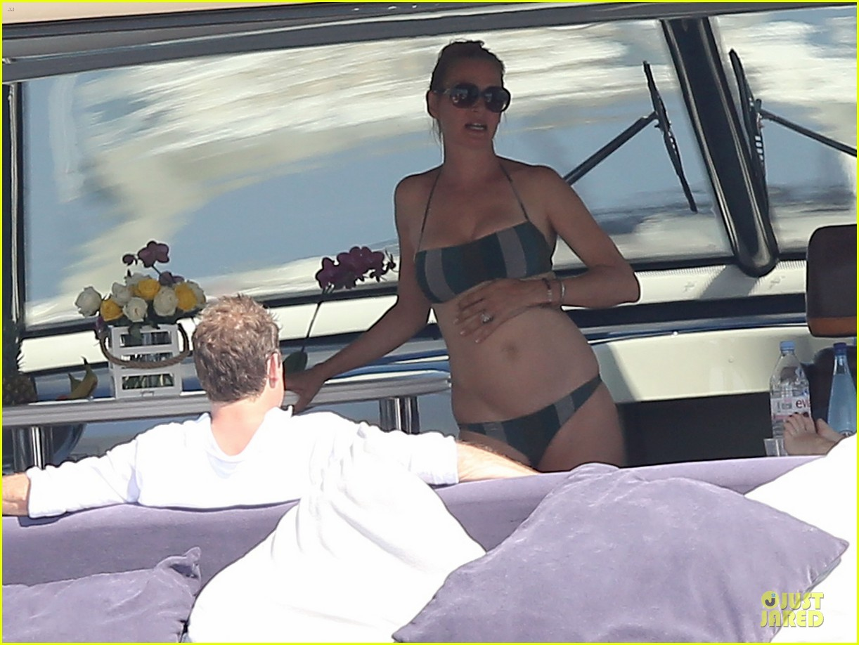 uma thurman bikini babe in saint tropez 19
