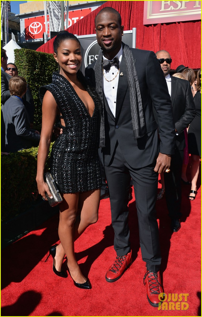 gabrielle union dwyane wade espys 2013 red carpet 052911078