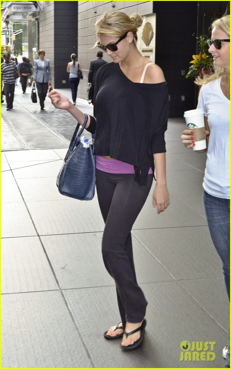 kate upton makes it an early day in nyc 08