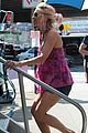 naomi watts fake baby bump on st vincent de van nuys set 08