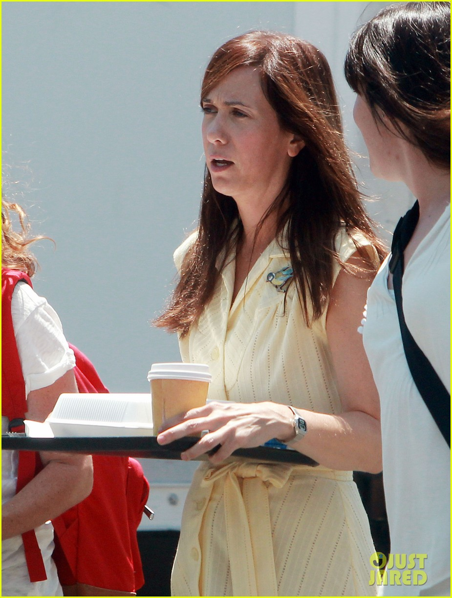 kristen wiig secret life of walter mitty trailer watch now 042920124