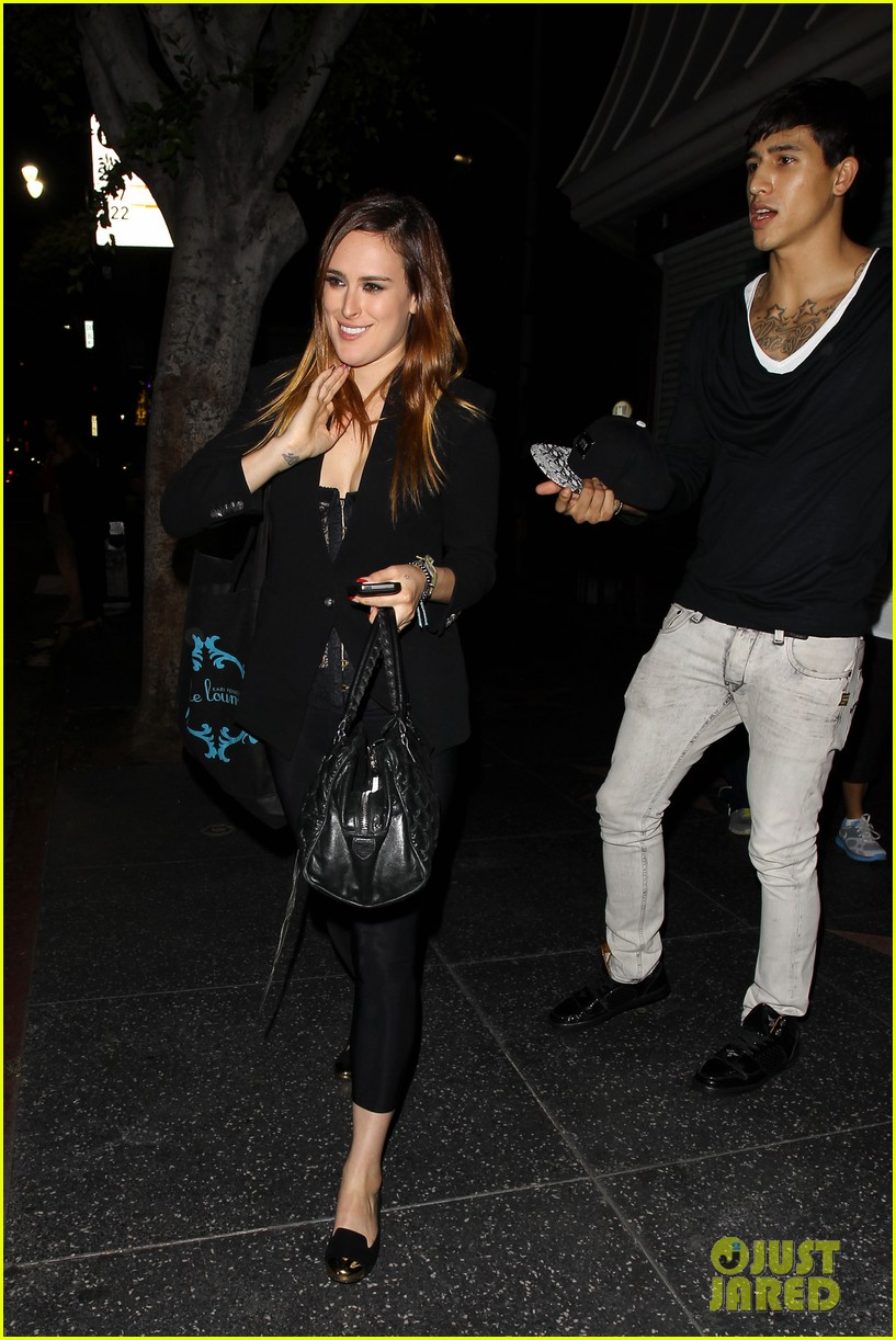 rumer willis performs at sayers club after pll guest spot 16