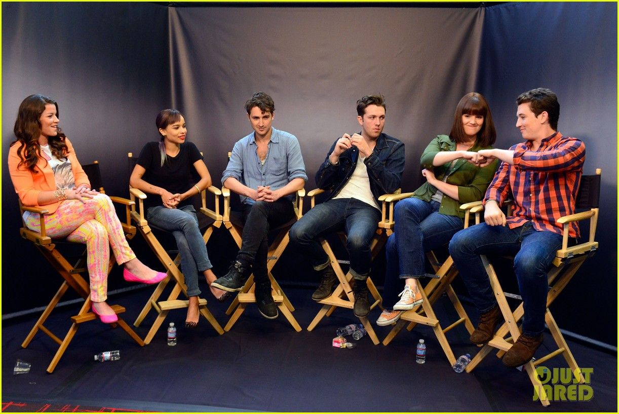 shailene woodley divergent cast make it to comic con 08