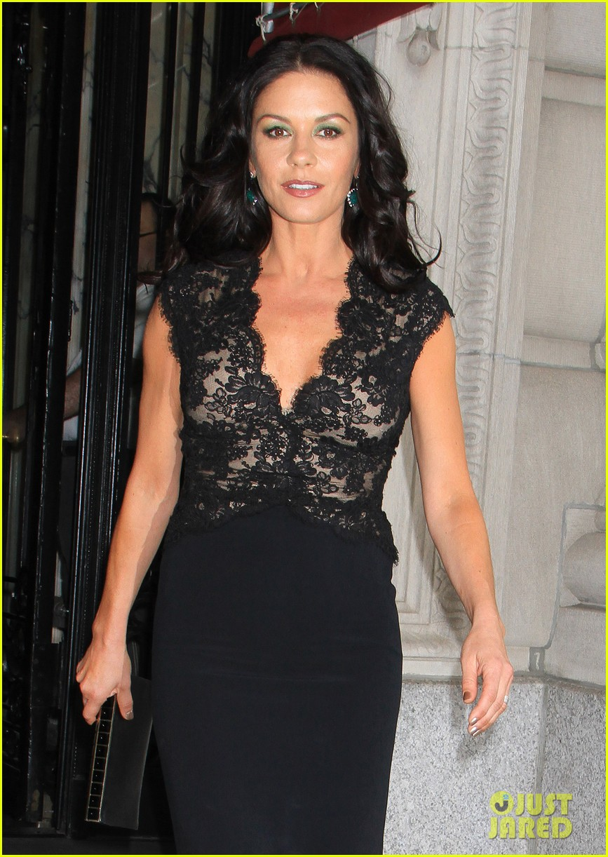 catherine zeta jones late night with jimmy fallon appearance 02
