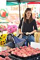 ben affleck jennifer garner family farmers market trip 24