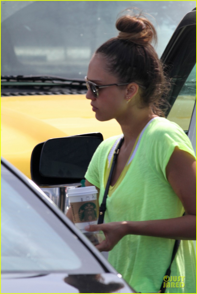 jessica alba cash warren east hampton stroll with haven 072927368