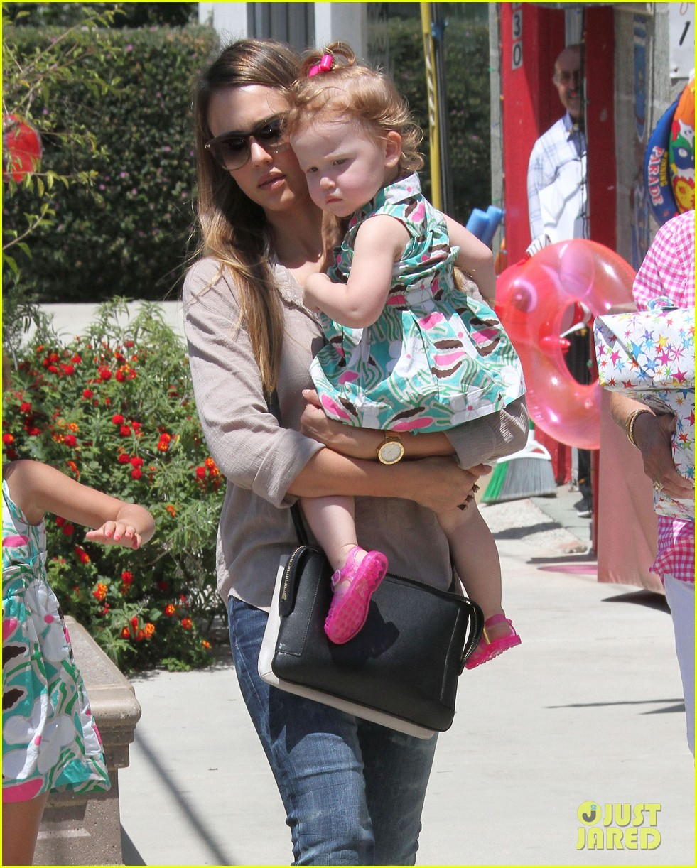 jessica alba honor haven wear matching outfits 21