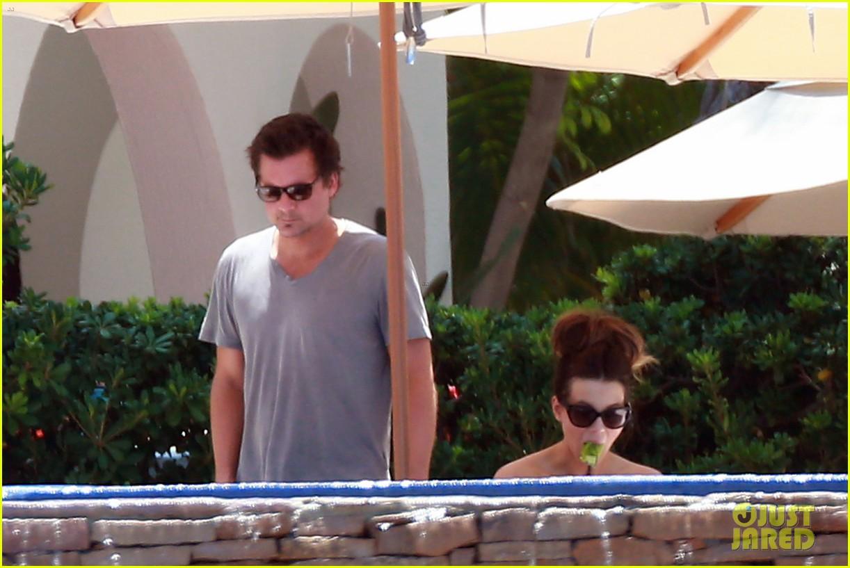 Kate beckinsale bares bangin 39 bikini body in cabo photo 2935246 bikini celebrity babies - Kate beckinsale pool ...