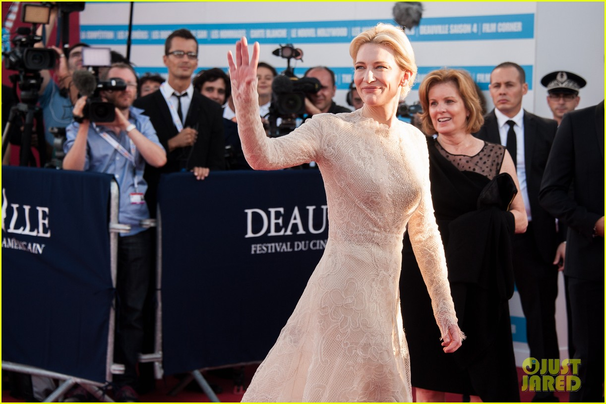cate blanchett michael douglas deauville opening ceremony 01