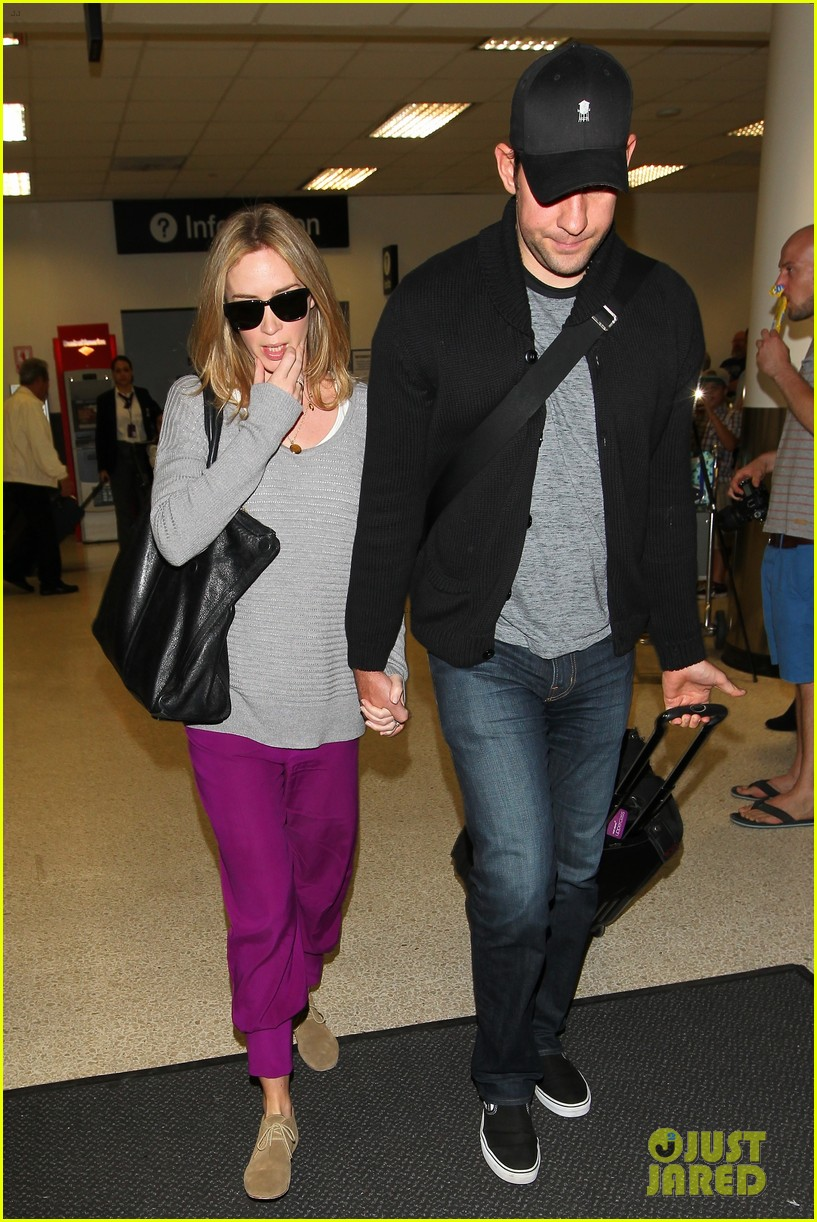 emily blunt john krasinski hold hands for lax landing 152940475