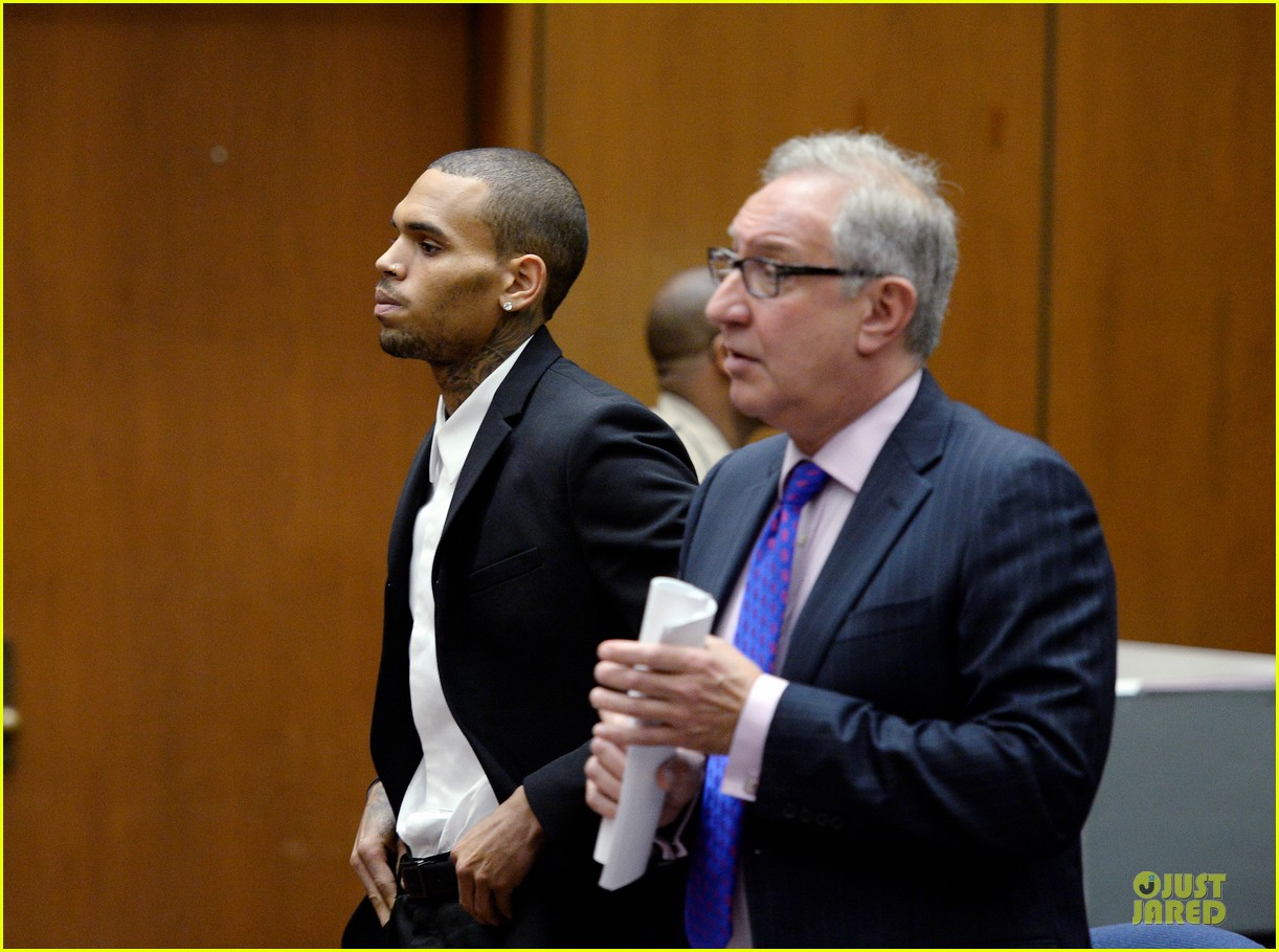 chris brown sentenced to 1000 hours of community labor 07