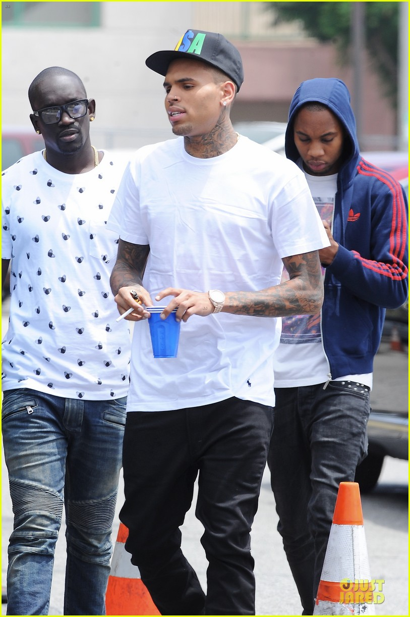 chris brown shoots love more music video 04