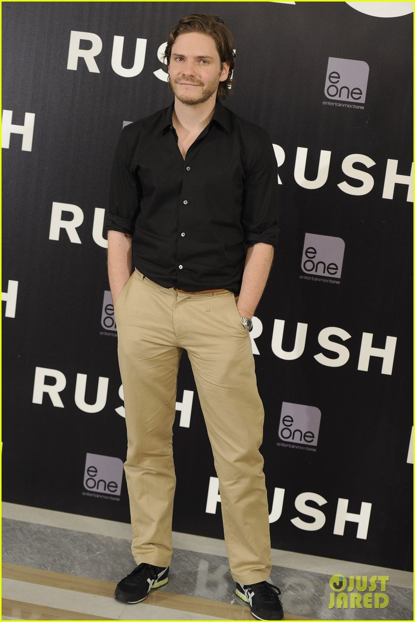 daniel bruhl rush madrid photo call with ron howard 012933491