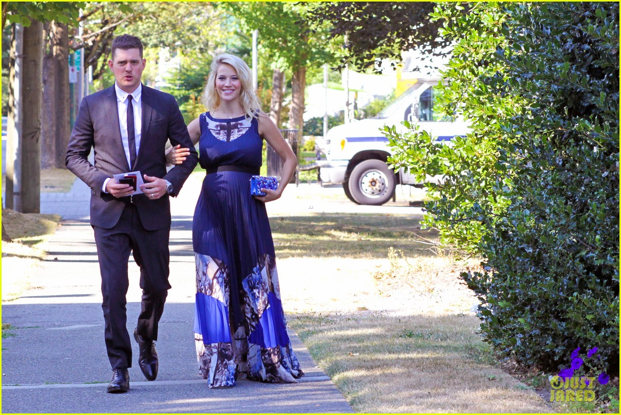 michael buble lusiana lopilato vancouver wedding couple 152928968