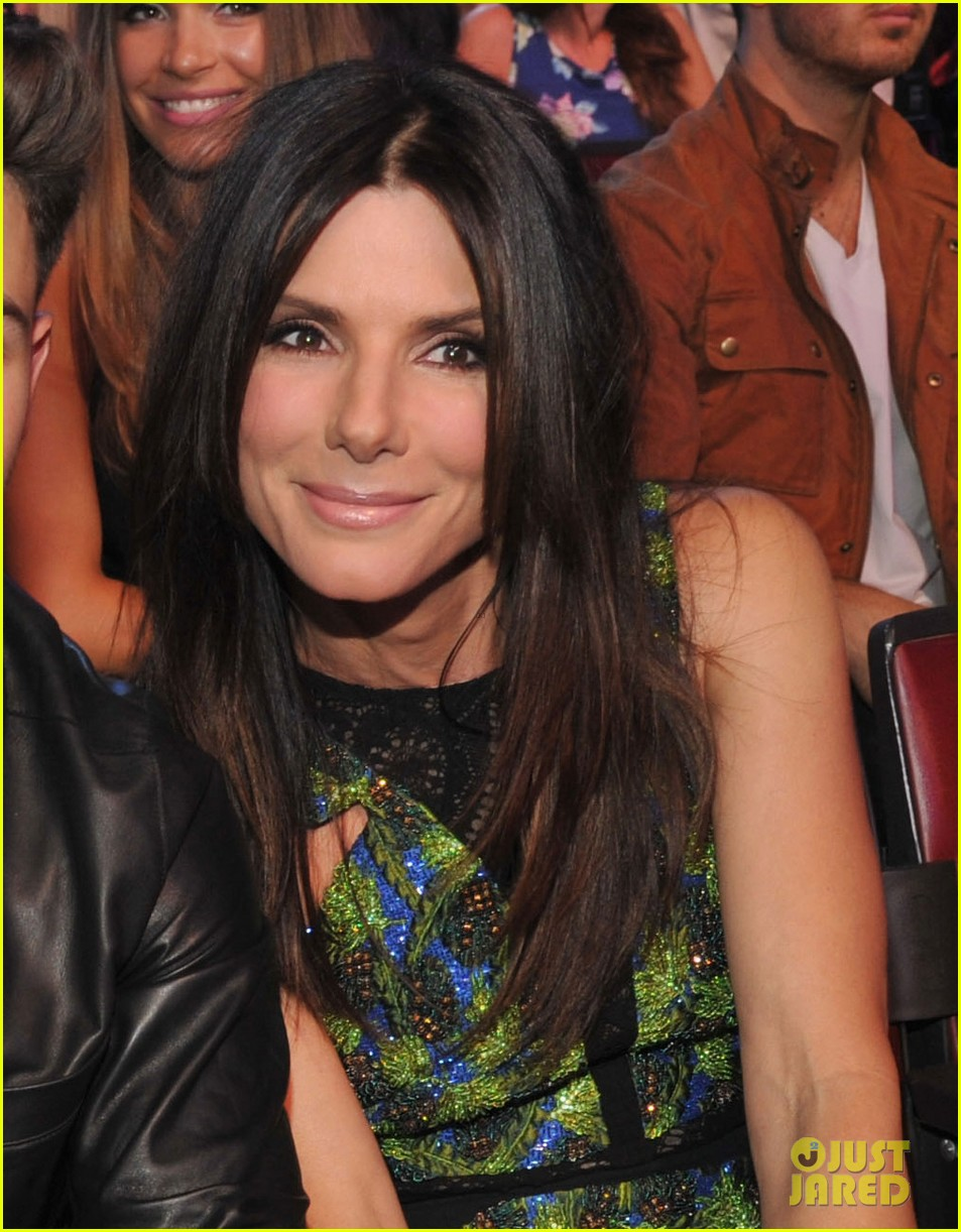 Sandra Bullock Teen Choice Awards 2013 Photo 2928228 Toyota Tundra Fuel Filter Location Pictures Just Jared