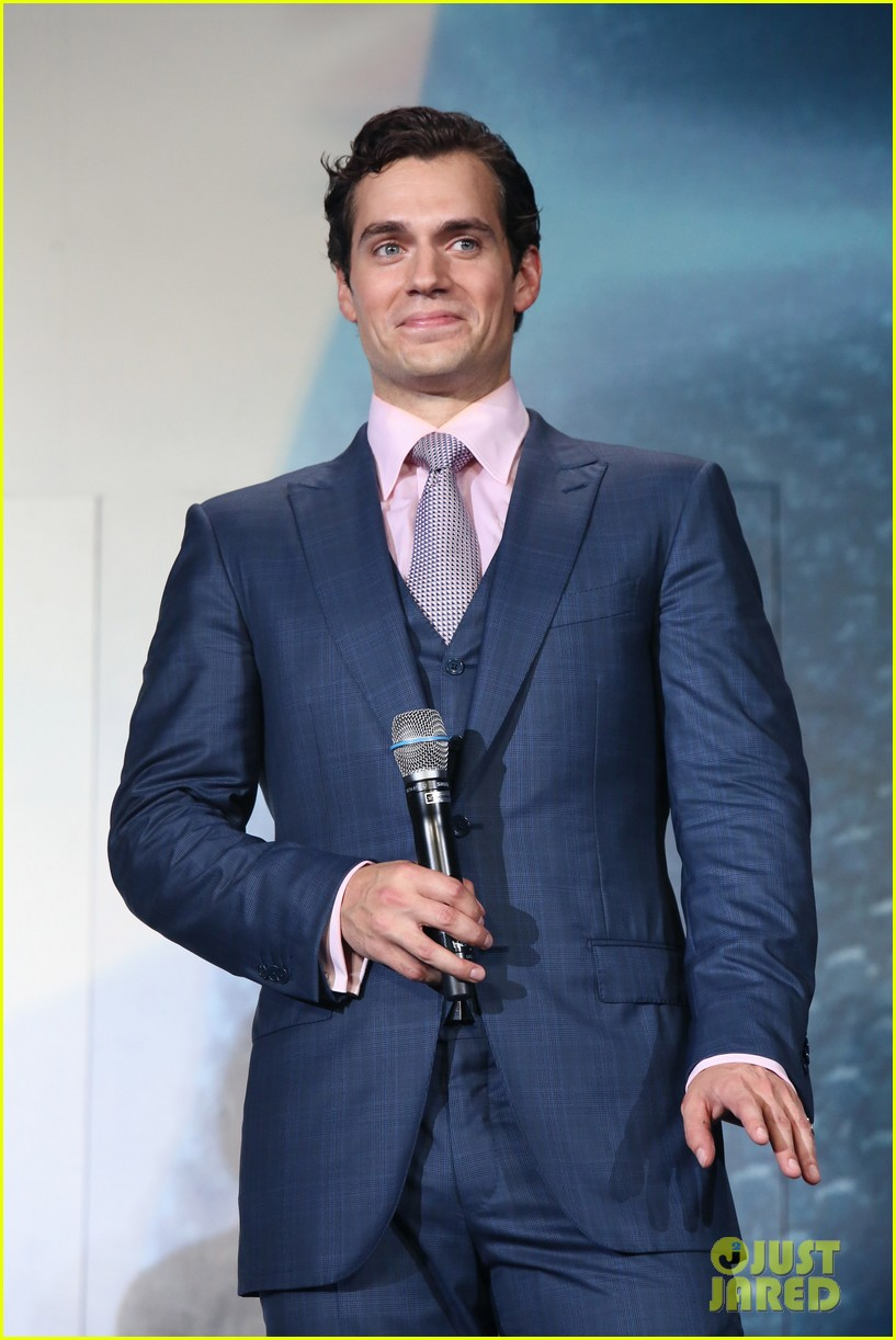 henry cavill man of steel japan premiere 06