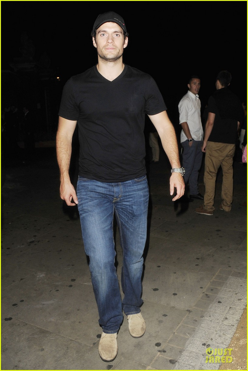 henry cavill bodo schloss nightclub for second straight night 052922721