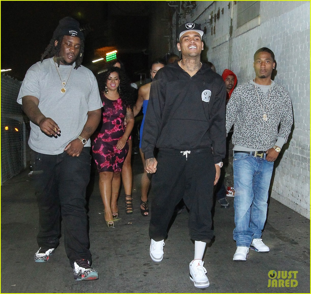 chris brown night out following love more video shoot 08