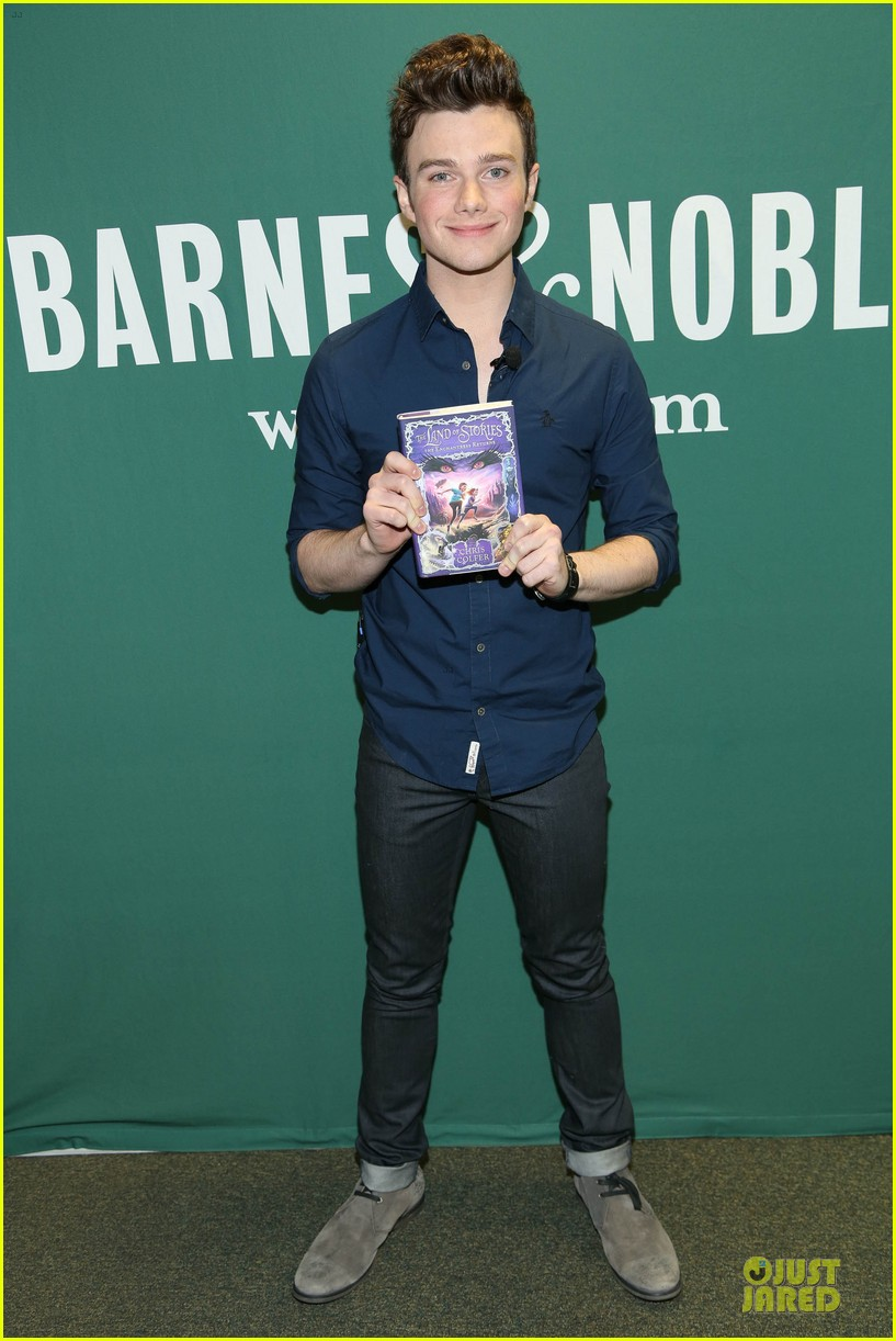 chris colfer land of stories the enchantress returns book event 012924673