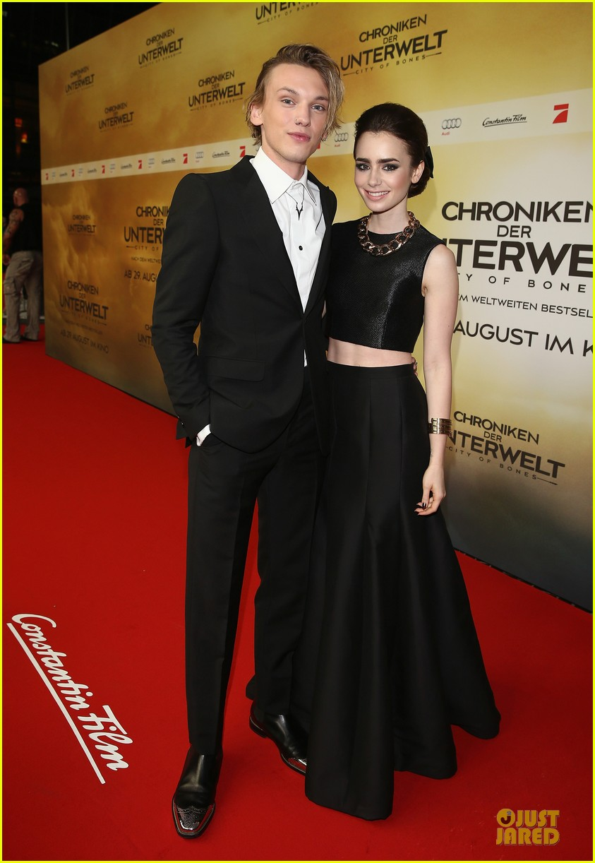 lily collins jamie campbell bower city of bones berlin premiere 05