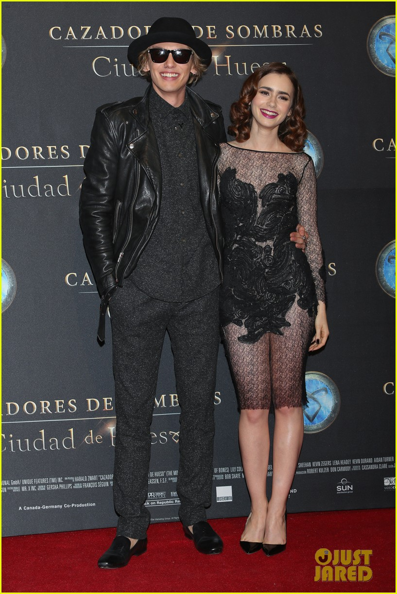 lily collins jamie campbell bower mortal instruments mexico city premiere 022939277