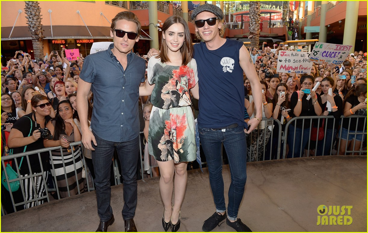 lily collins jamie campbell bower mortal instruments in miami 06