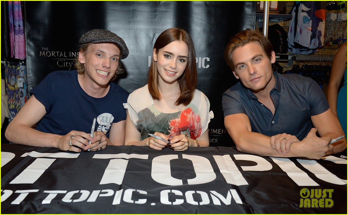 lily collins jamie campbell bower mortal instruments in miami 182921637