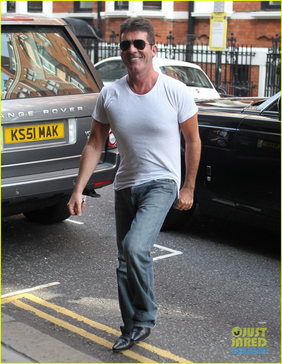 simon cowell kisses pregnant lauren silverman after dinner 072939683