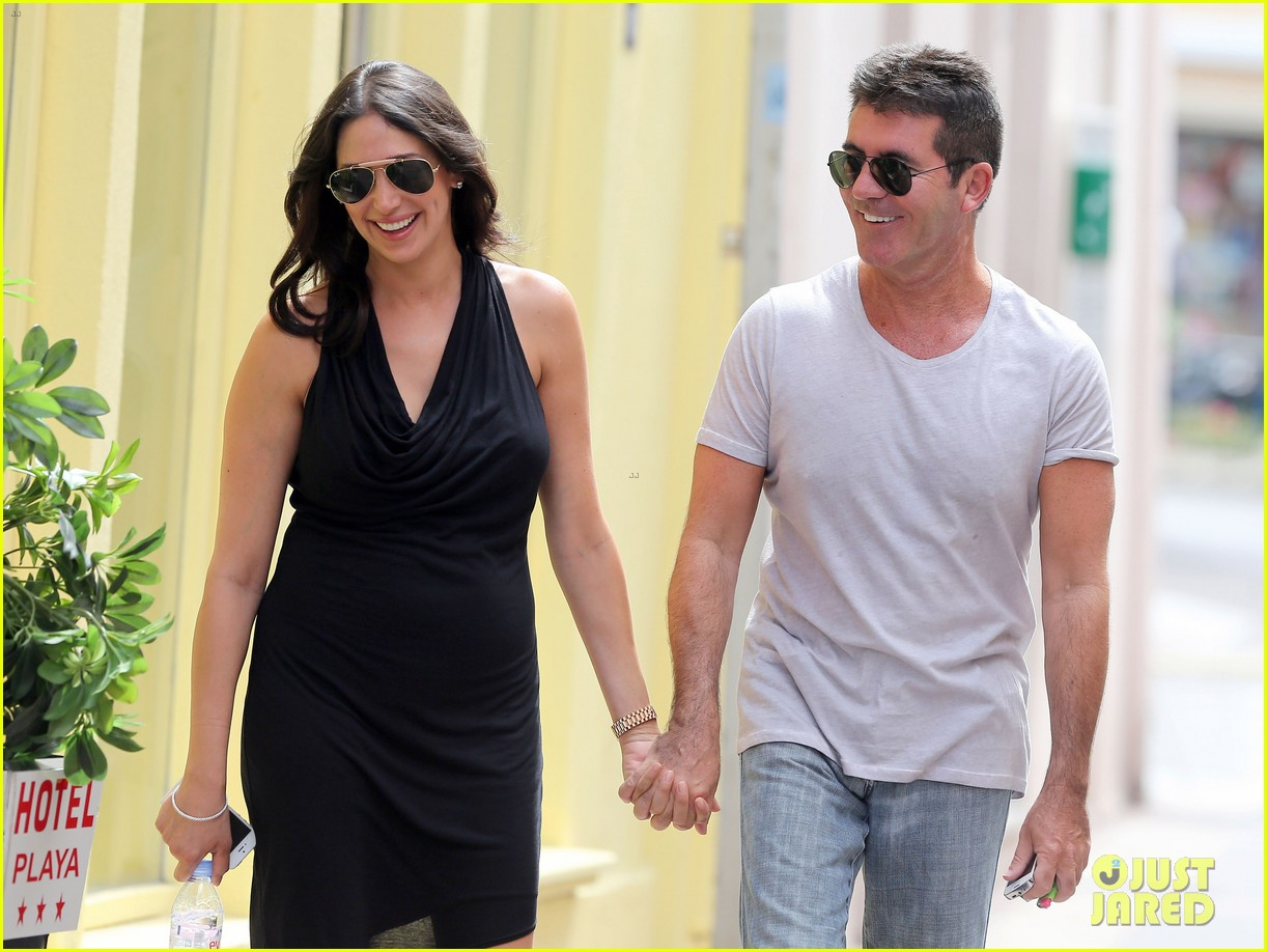 simon cowell lauren silverman hold hands in st tropez 07