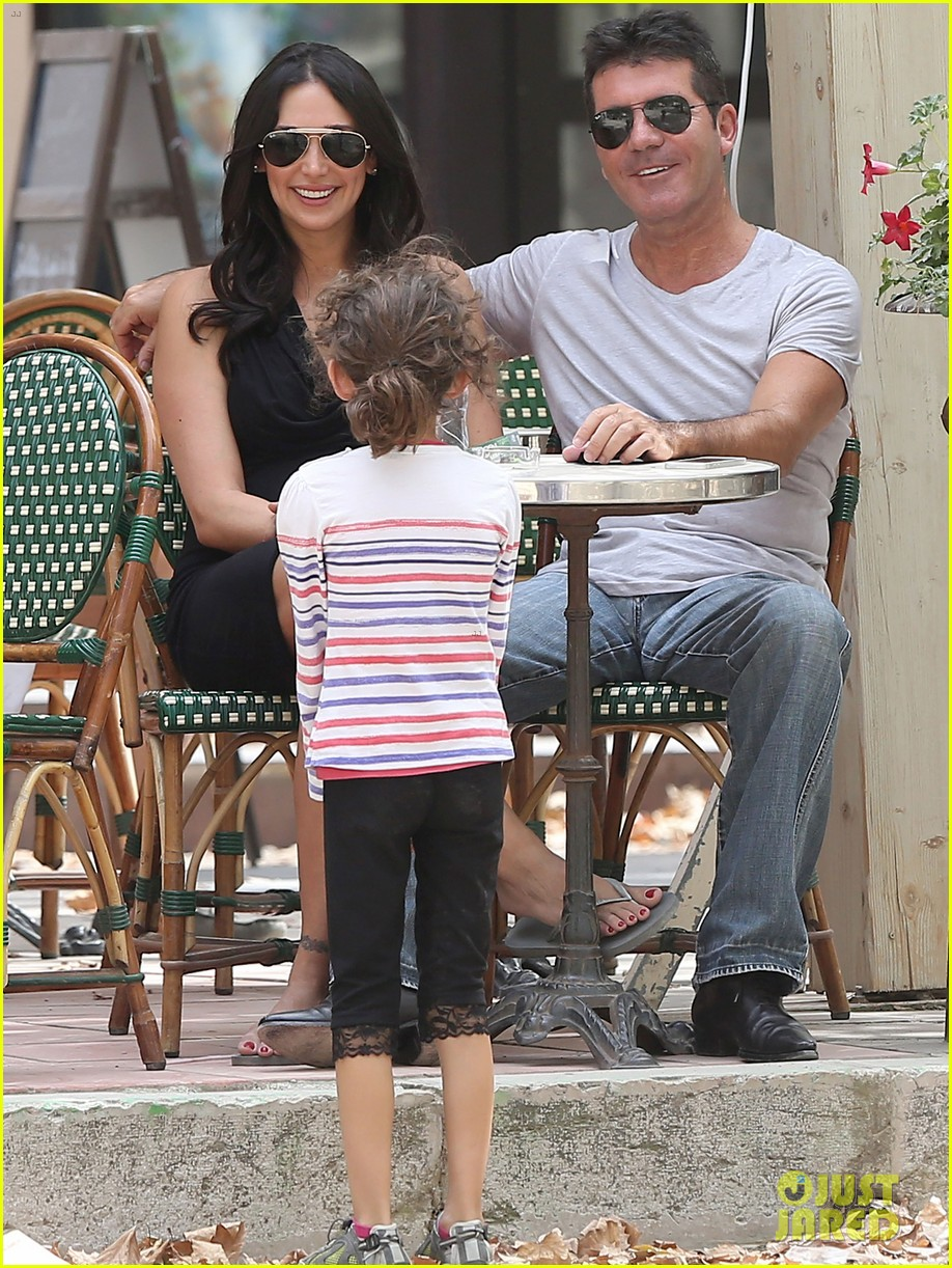 simon cowell lauren silverman hold hands in st tropez 152938287