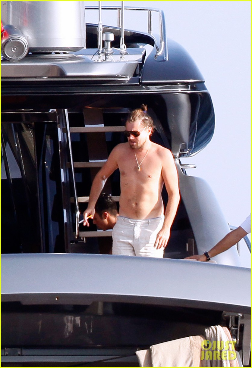 leonardo dicaprio goes shirtless after flyboarding in ibiza 012925555