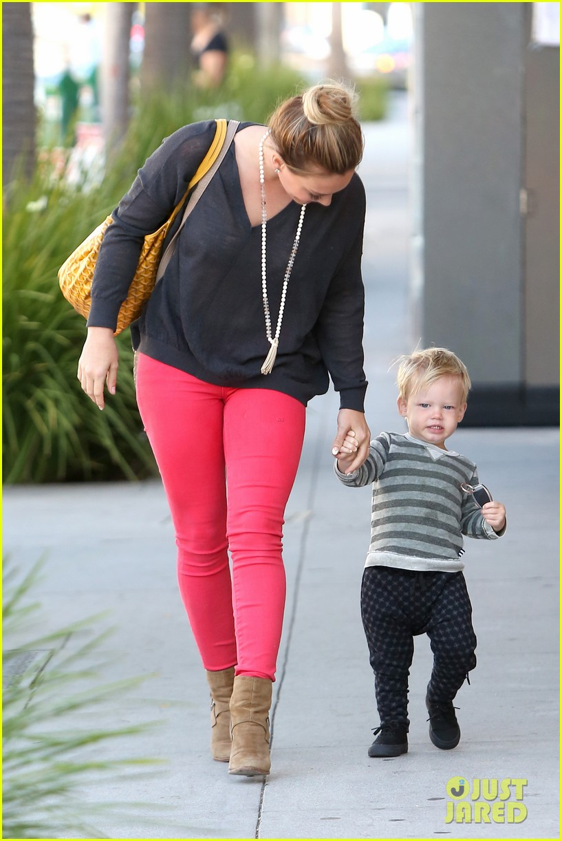 hilary duff has the perfect family says kelly osbourne 19