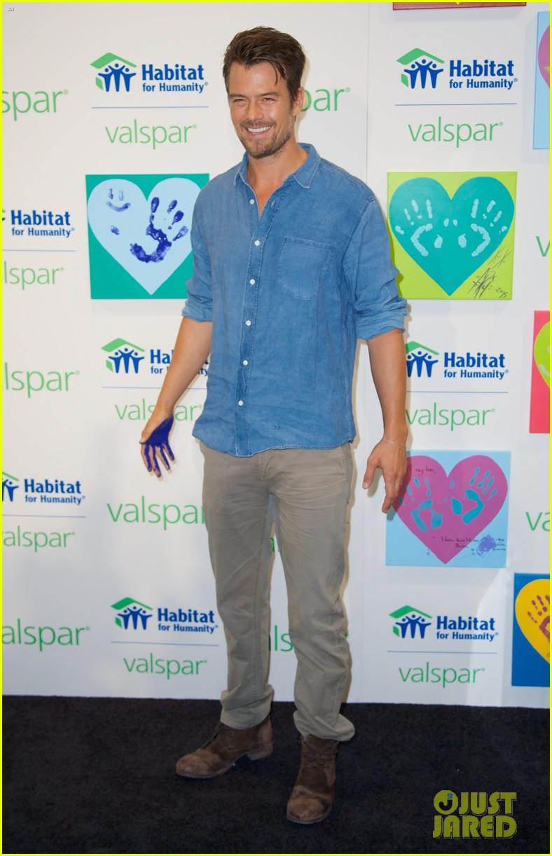 josh duhamel lends a helping hand at valspar charity event 022933450